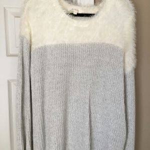Vince Camuto Two faux fur eyelet sweater women's X
